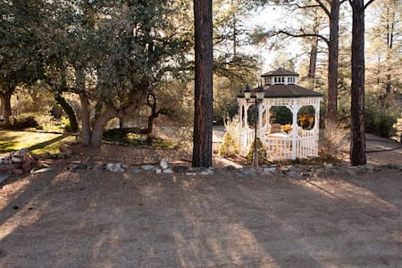 Lovely Getaway Space in the Pines - Prescott