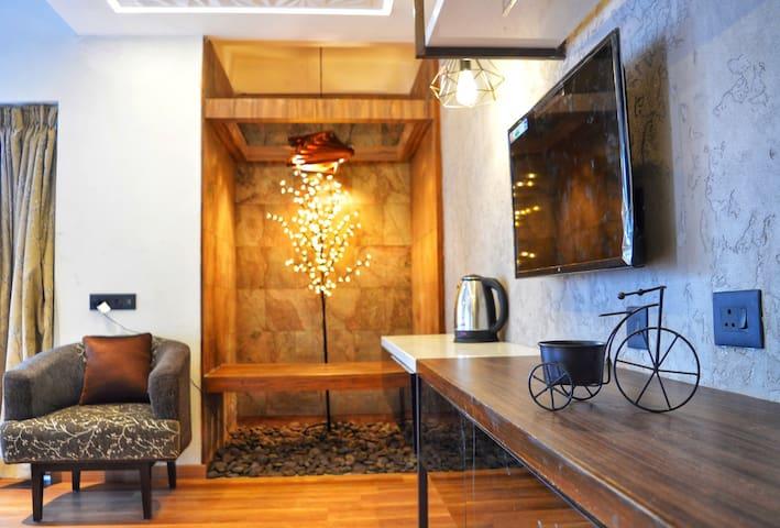 Cozy Interiors of Honeymoon Suite