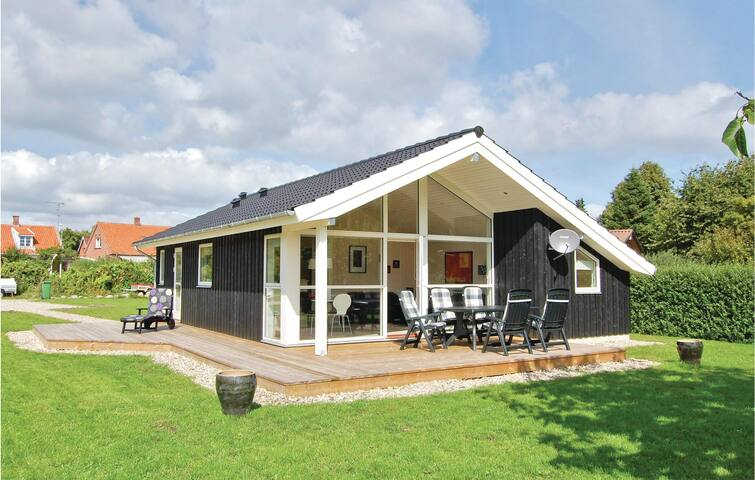Holiday cottage with 3 bedrooms on 68m² in Tranekær