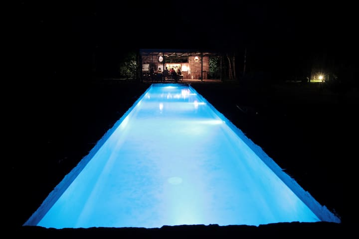 piscina y parrillero