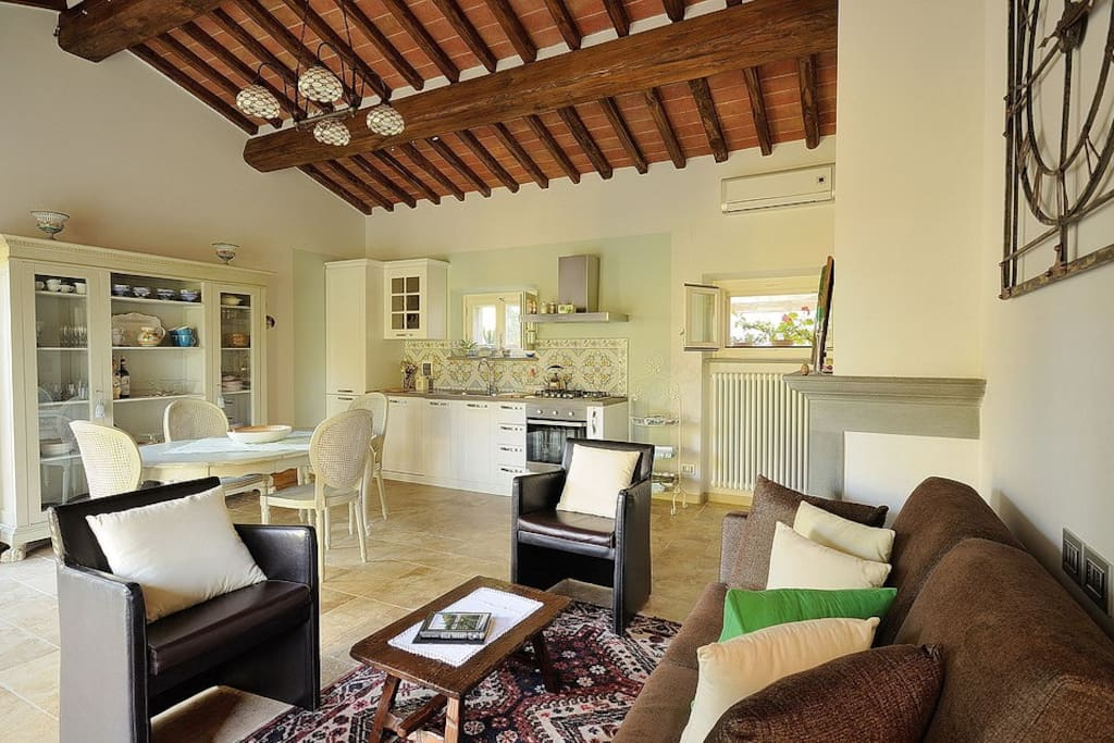 Fresh Modern Look in a tradition Tuscany Cottage