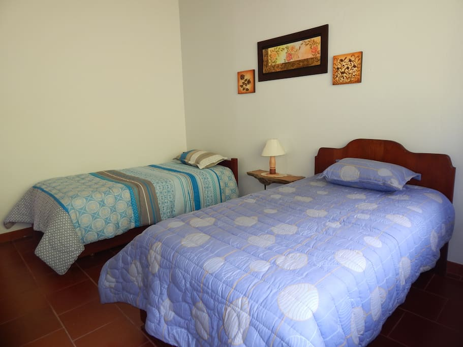 Bedrooms with excellent natural view - Habitaciones con una vista excelente