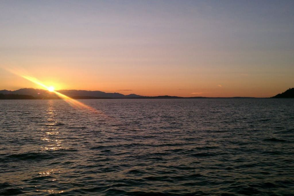 The most stunning Pacific Northwest sunsets you will ever see.
