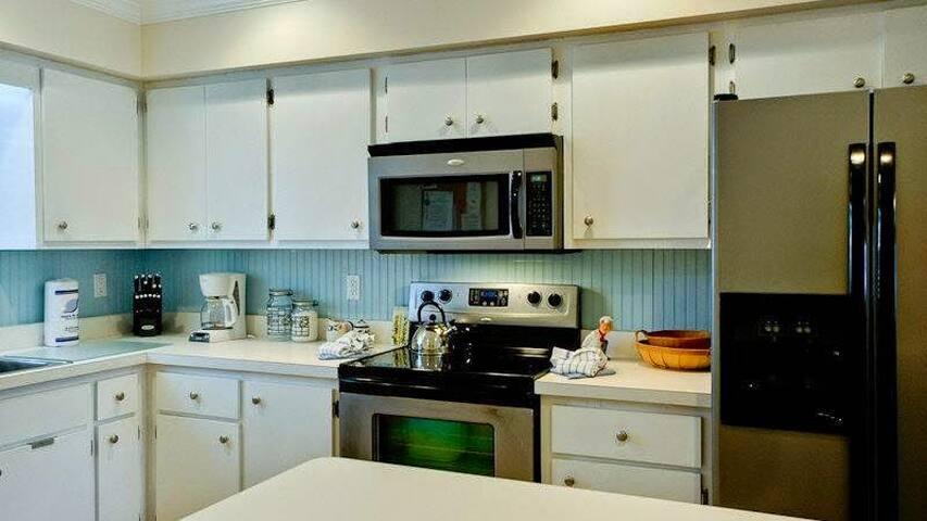 99 STEPS FROM THE BEACH - Holmes Beach - Apartamento