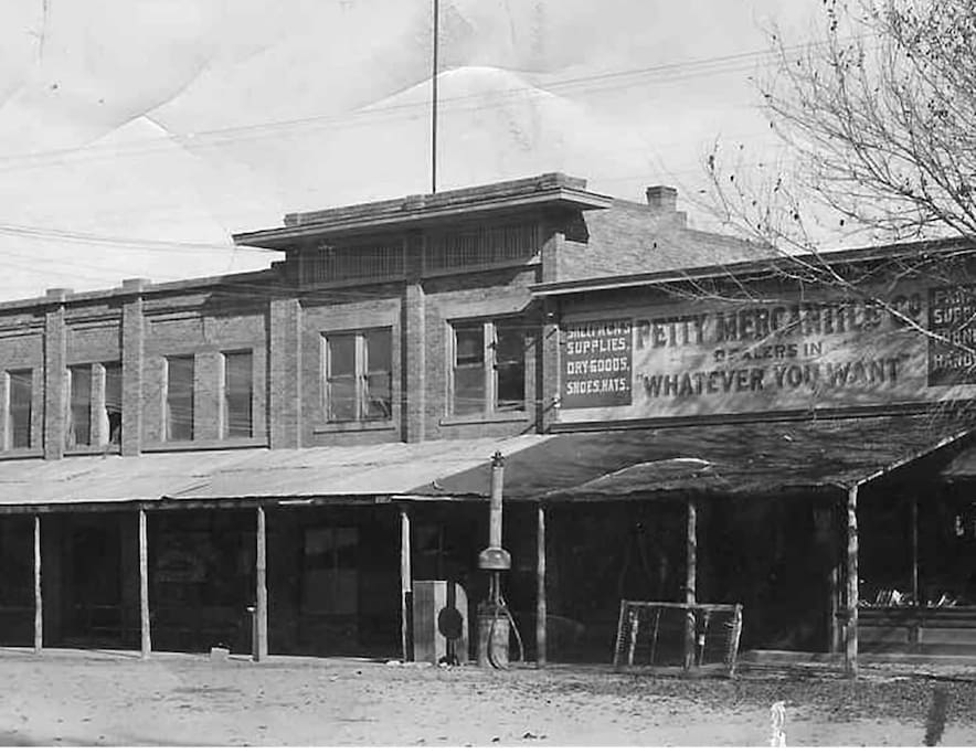 Built in 1912 with lumber milled from Zion Mountain. The original owner was instrumental in Zion becoming a National Park.