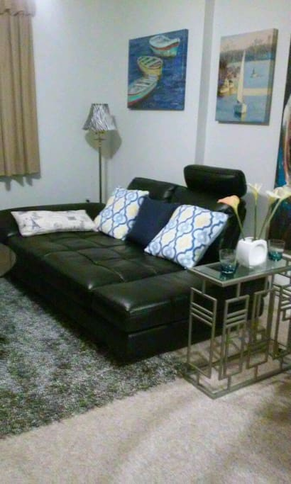 comfortable huge futon near jackson bed and breakfasts for rent in miami florida united states. Black Bedroom Furniture Sets. Home Design Ideas