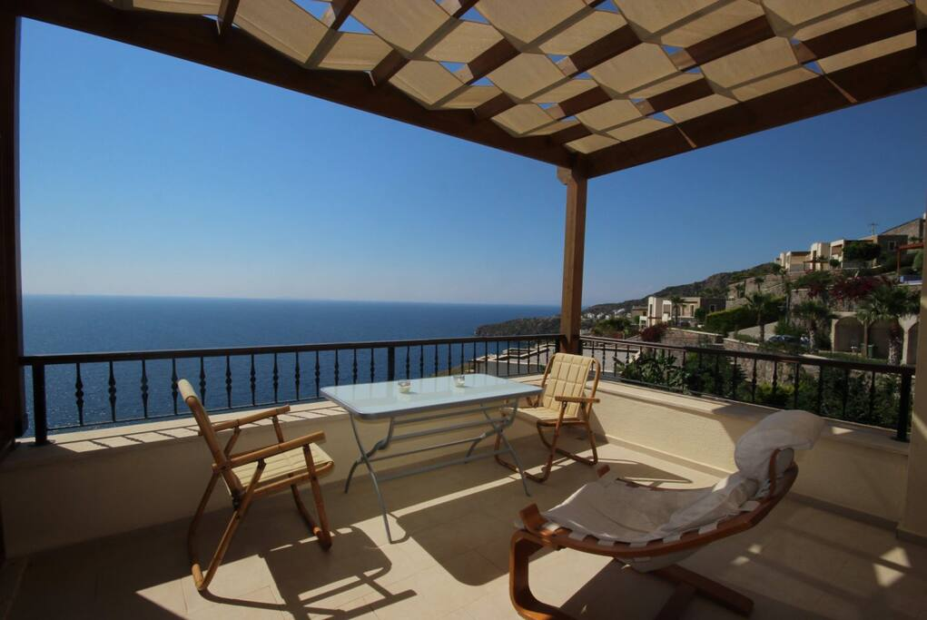 Muhteşem teras manzarası / Breathtaking terrace view / Vista mozzafiato dal terrazzo