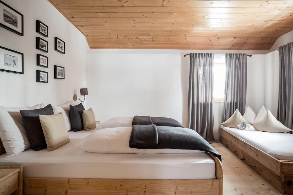 Chalet Hafling Leckplått - double bedroom with one single bed