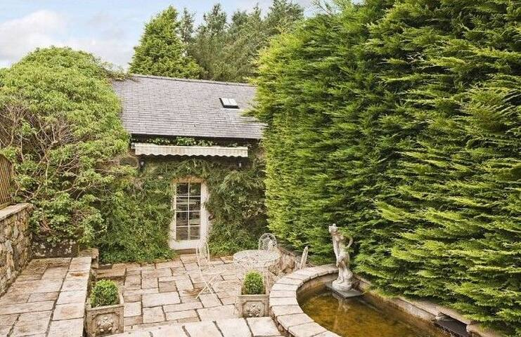 The Little Coach House - Garndolbenmaen - House