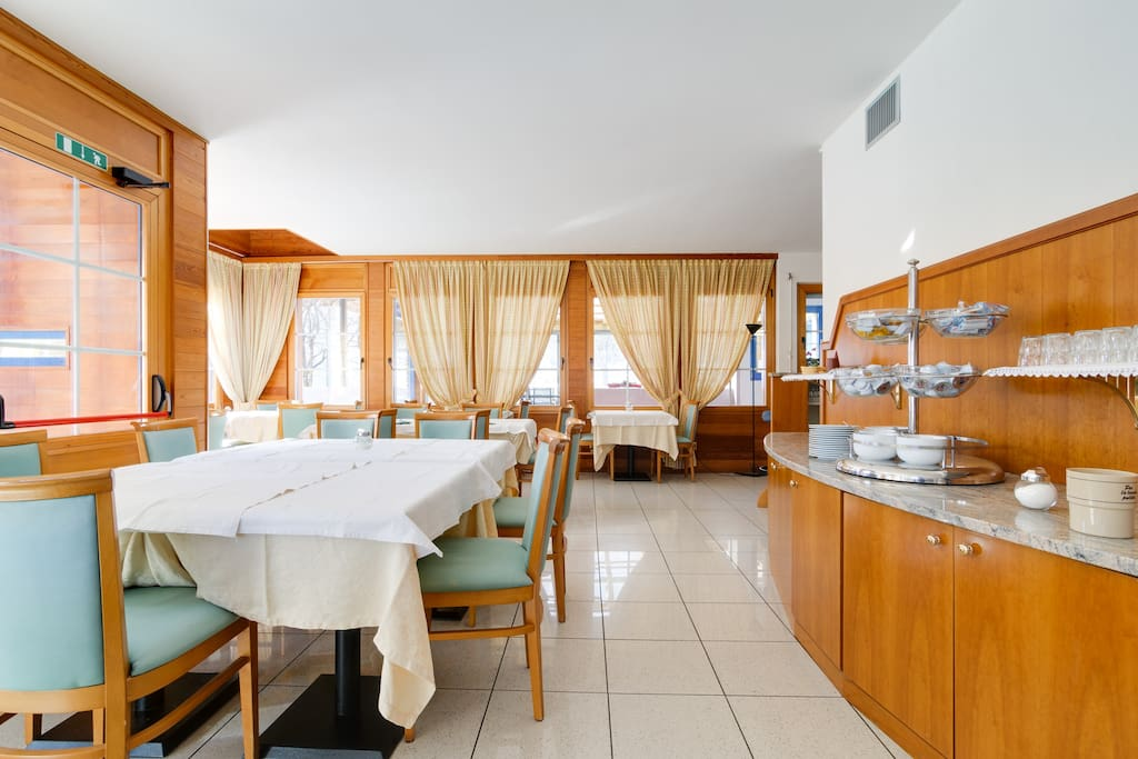 """""""Stayed for one night. Excellent location for trips in the area.   The hotel is very nice and clean.   The breakfast was good.   I would recommend the place!  Great value for money"""" Eli october 2014"""