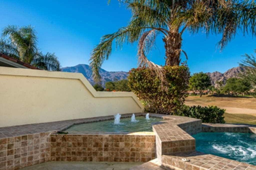 Private salt water spa and water feature to enjoy sunset mountain views!