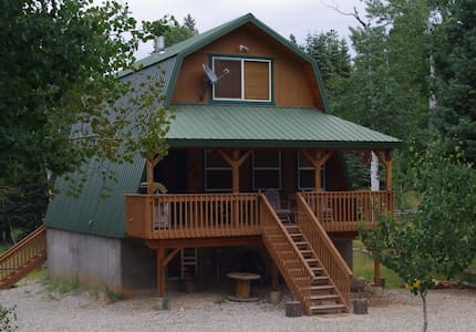 Cabin:  3 bedrooms & Bonus room  near Zion & Bryce