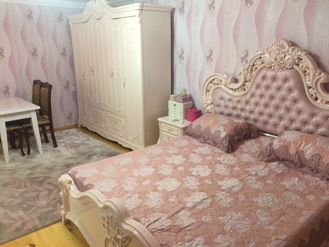 Room close to Airport, Expocentre & best Beaches - Bakı - Huvila
