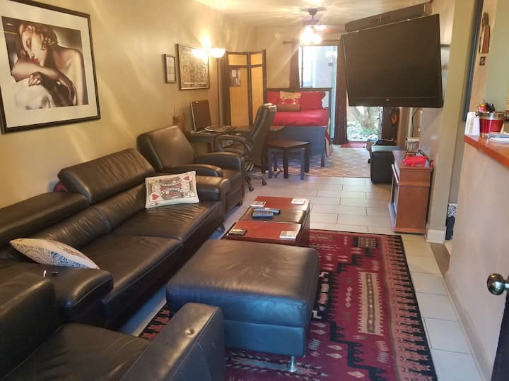 200 ft from Piedmont Park-Private Apt.