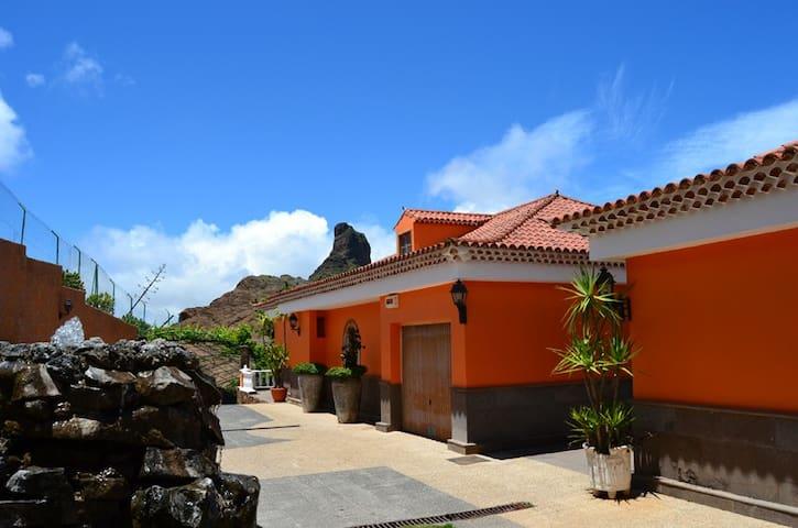 Chalet Rural junto al Bentayga en Tejeda - Tejeda - Dom