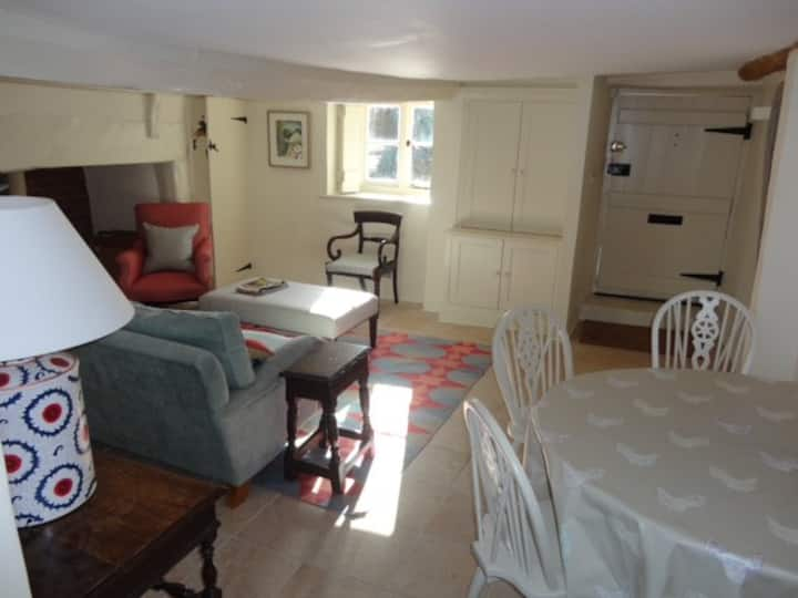 Idyllic Devon country cottage