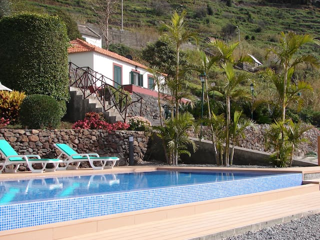 AMAZING VIEW FROM THIS HOUSE!!! - Calheta - Dom