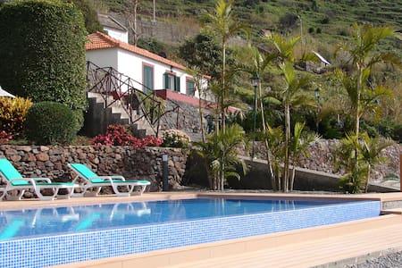 AMAZING VIEW FROM THIS HOUSE!!! - Calheta