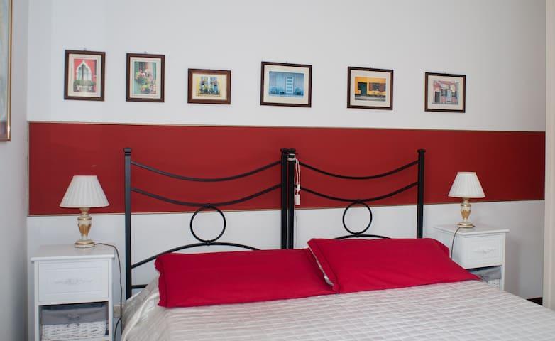 Emanuele - bedroom