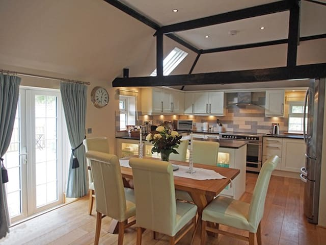 5 Star luxury holiday cottage - Hurstpierpoint - Huis