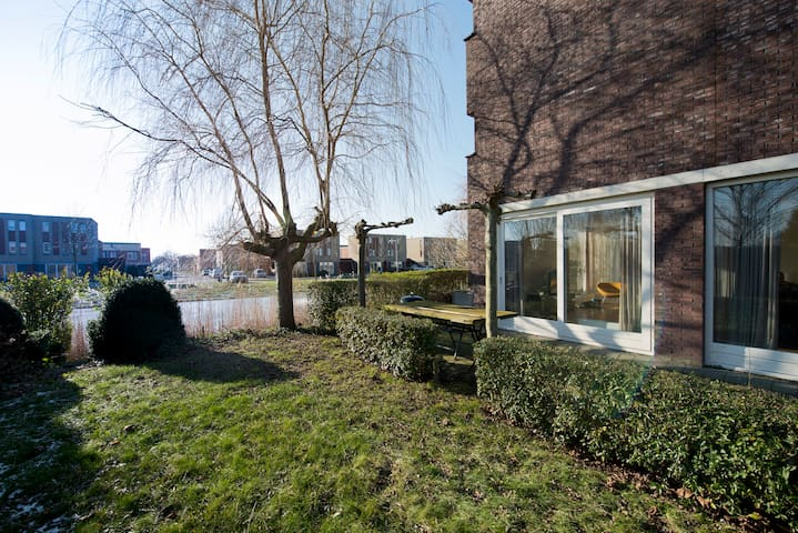 Quiet comfortable water villa - Bergen op Zoom - Ev
