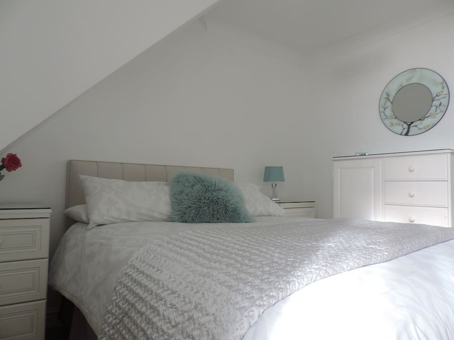 Second bedroom with double bed with sea views (locked if two people sharing one bedroom)