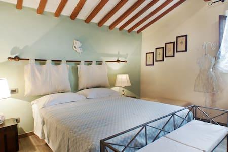 Il Chiesino B&B camera Volterra  - Montecatini Val di Cecina - Bed & Breakfast