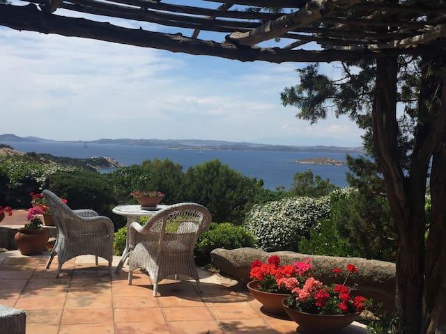 Villa con vista mozzafiato e piscina privata