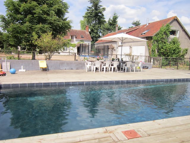 Loire valley terrace home with Pool - Villeloin-Coulangé - Apartemen