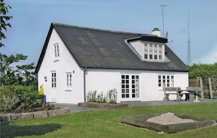 Holiday cottage with 2 bedrooms on 87m² in Erslev