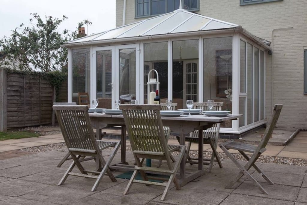 Patio and garden dining