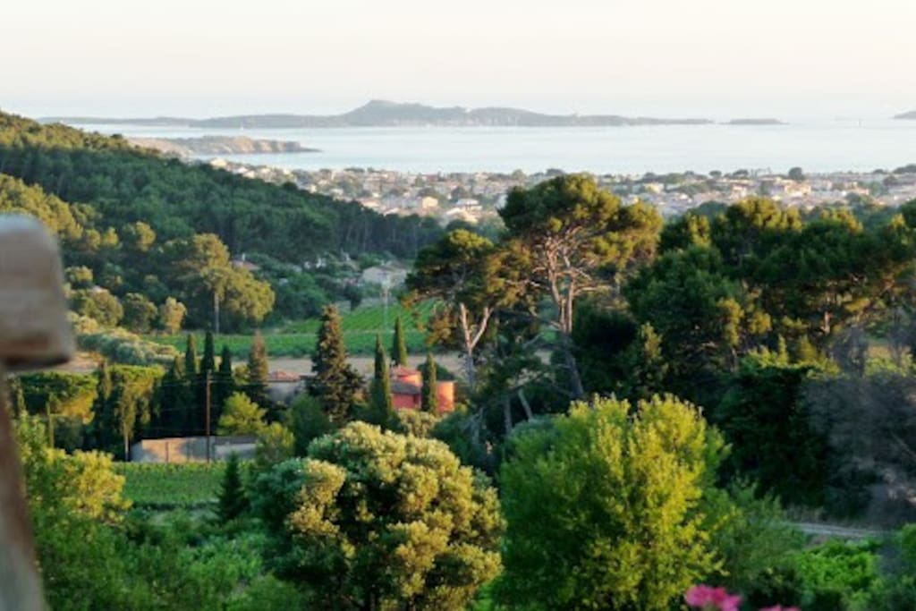 how to get to bandol france