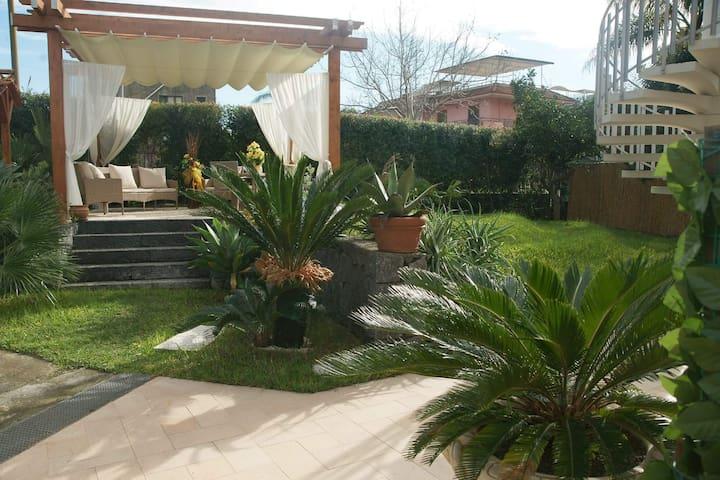 Fondachello Taormina vacanze.