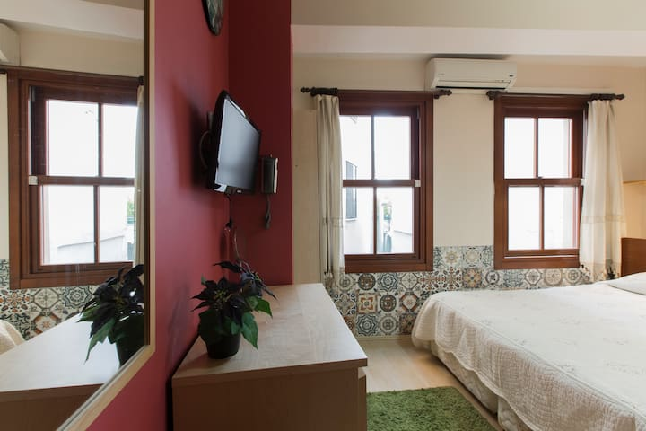 Next to the Galata Tower - Galata - Bed & Breakfast