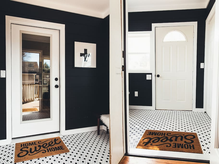 The Mudroom Entrance. Newly renovated in 2017 and includes heated floors for your swimsuit/hats/gloves.