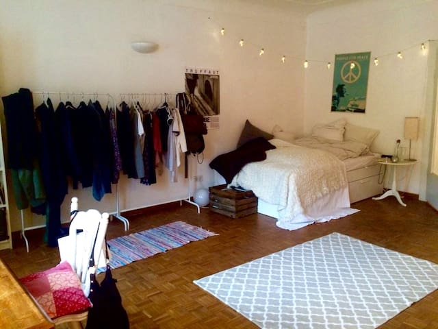 Central: Cozy Room in shared flat in the old town - Passau - Apartment