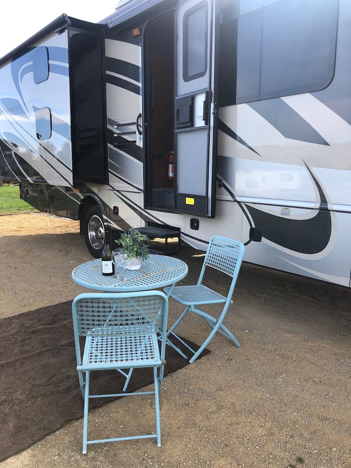 Edna Valley San Luis Obispo Cozy and Comfy RV