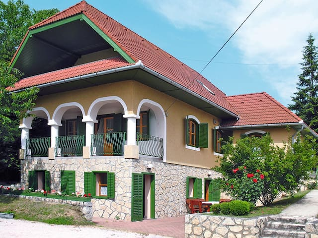 Holiday House Sabine for 10 persons in Abrahamhegy