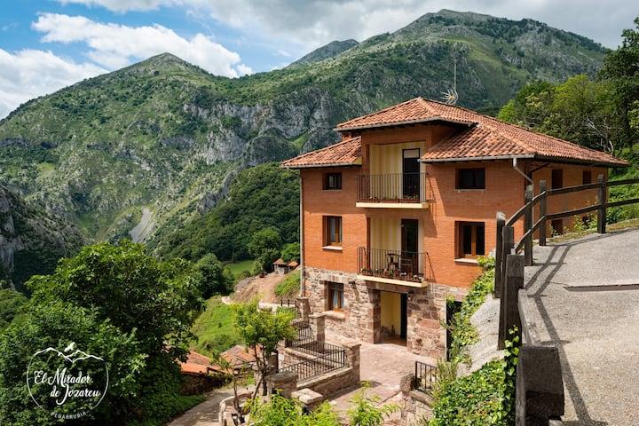 El Mirador de Jozarcu, Picos de Europa Peñarrubia