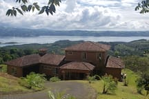 Arenal Volcano lake views retreat