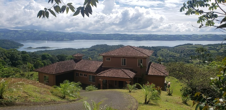 Lake Arenal  Mountain View Retreat
