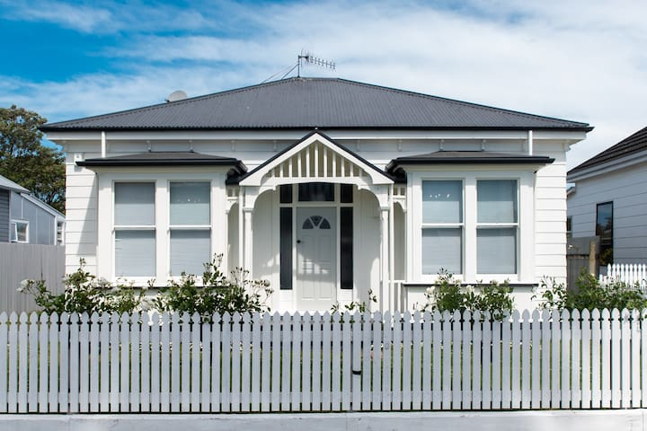 Villa on Kennedy Rd, Napier South