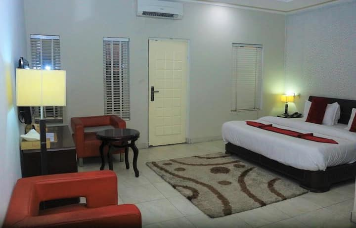 The Crib Lifestyle Hotel - EXECUTIVE DELUXE