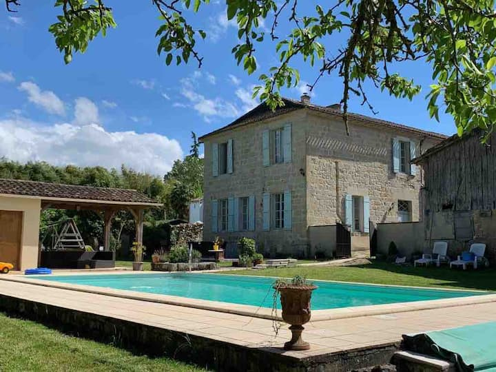 La Belle Maison Lauzun - 5 Bed Family Home & Pool