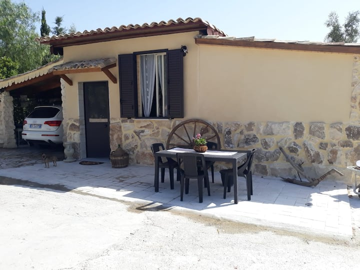 """The Cottage""  with sea view, parking & wi.fi"