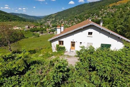"""Gîte """"La Forêt"""" dans les Hautes Vosges - Ventron - Luontohotelli"""