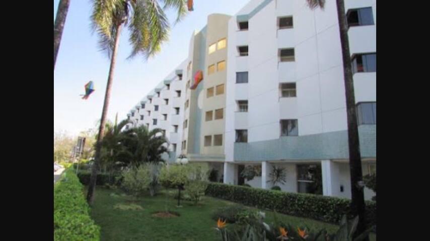 Confortável e bem localizado - Brasília - Wohnung