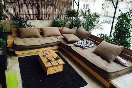 Chambre, terrasse, app en plein cœur - Apartemen