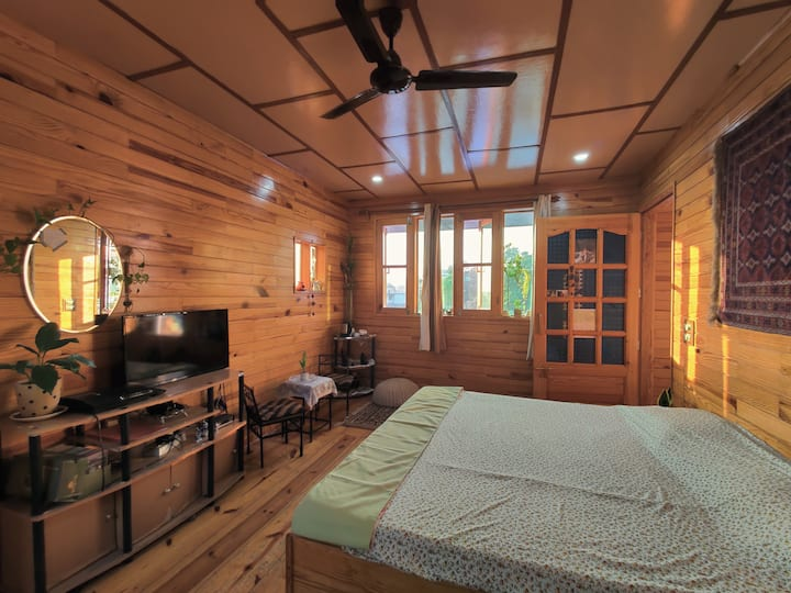 Luxurious Wooden Chalet #1