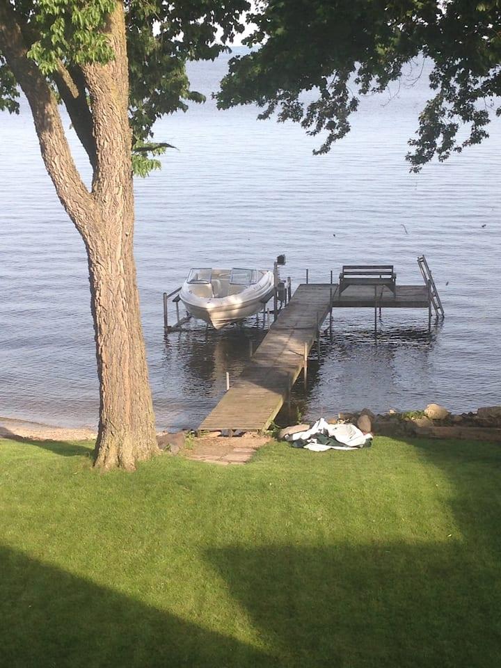 Lake Winnebago Getaway/ EAA Lodging